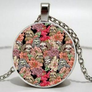 Jewelry - Sloth necklace